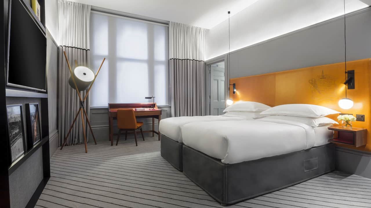 ANDAZ LONDON LIVERPOOL STREET | Twin Beds