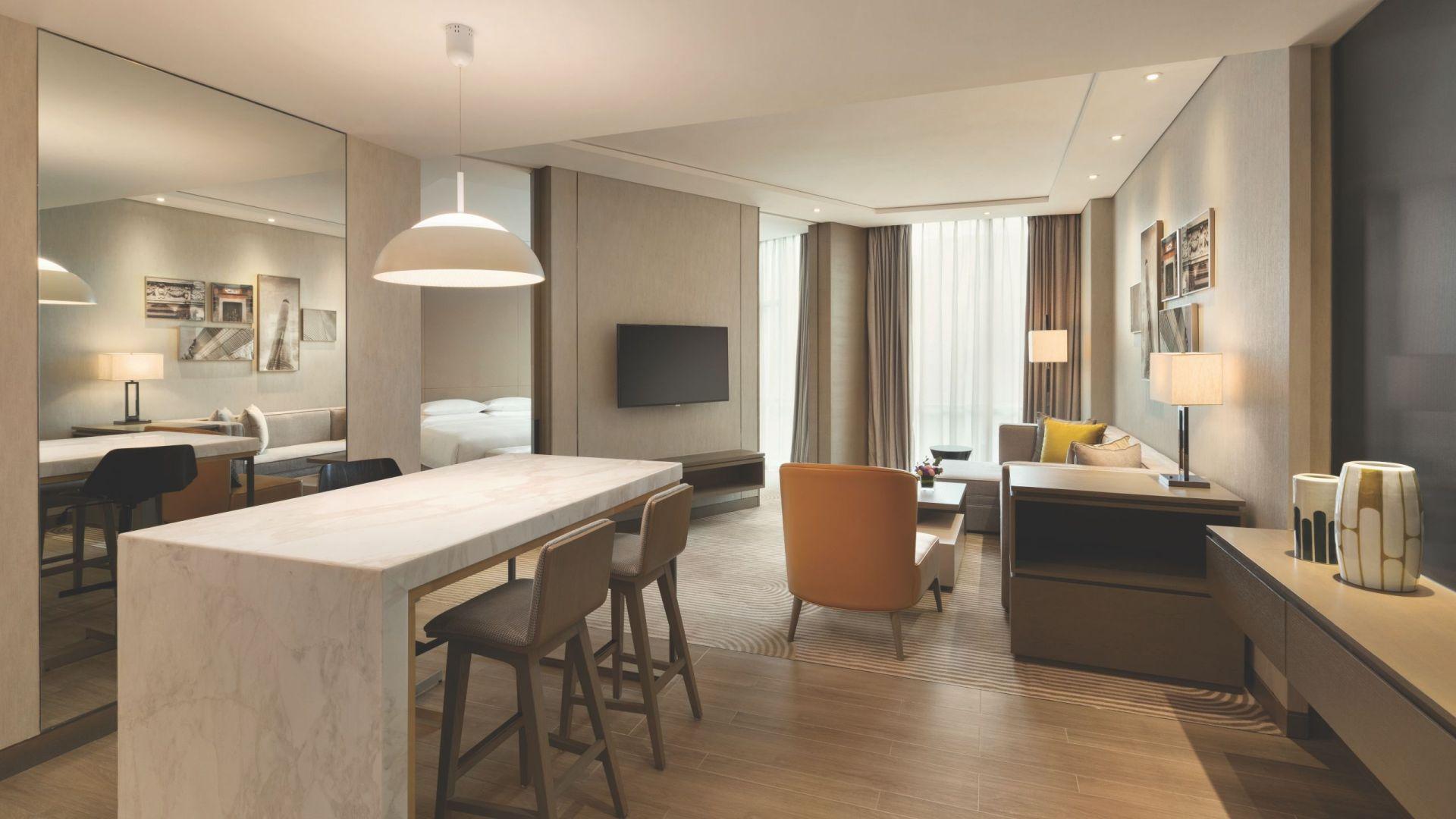 Hyatt House Specialty Suite