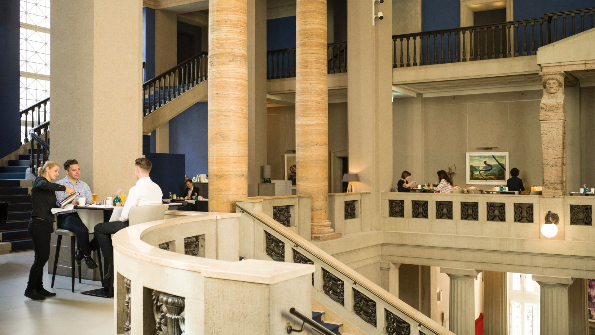 Hyatt Hyatt Dusseldorf lobby