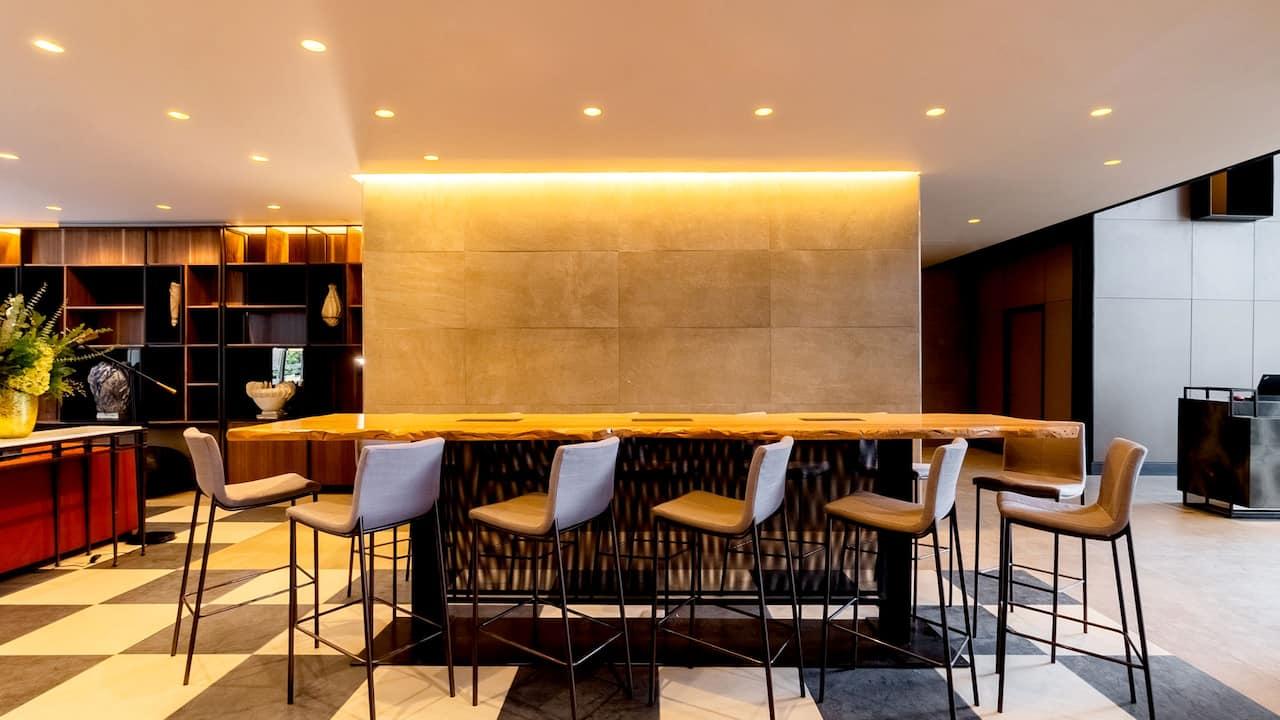 Lobby Table Cowork