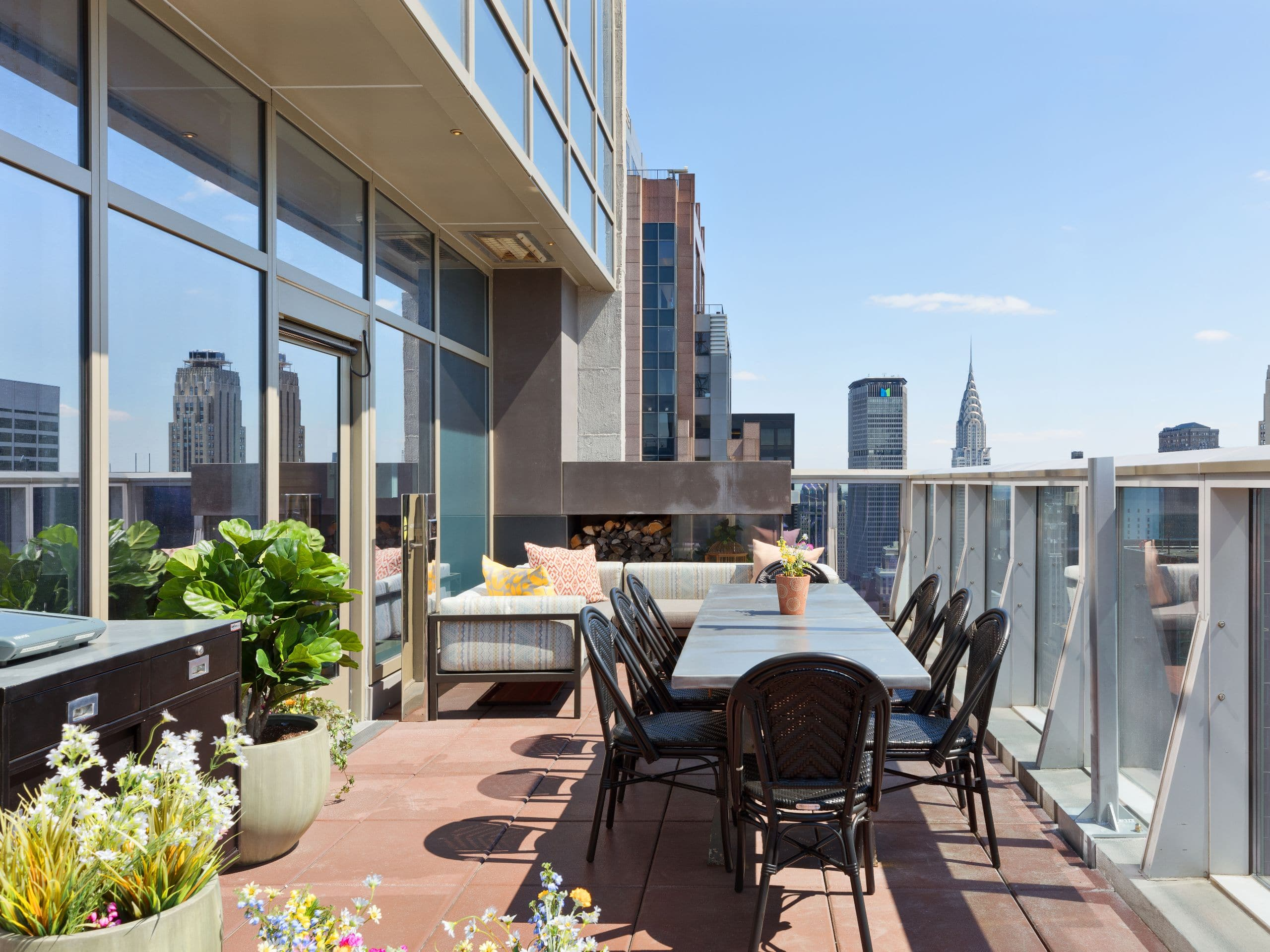 Rooftop Bar And Restaurant In Times Square Hyatt Centric