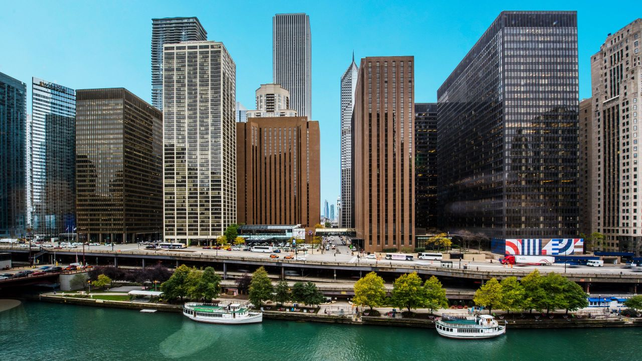 Downtown Chicago Hotel near Chicago River – Hyatt Regency Chicago