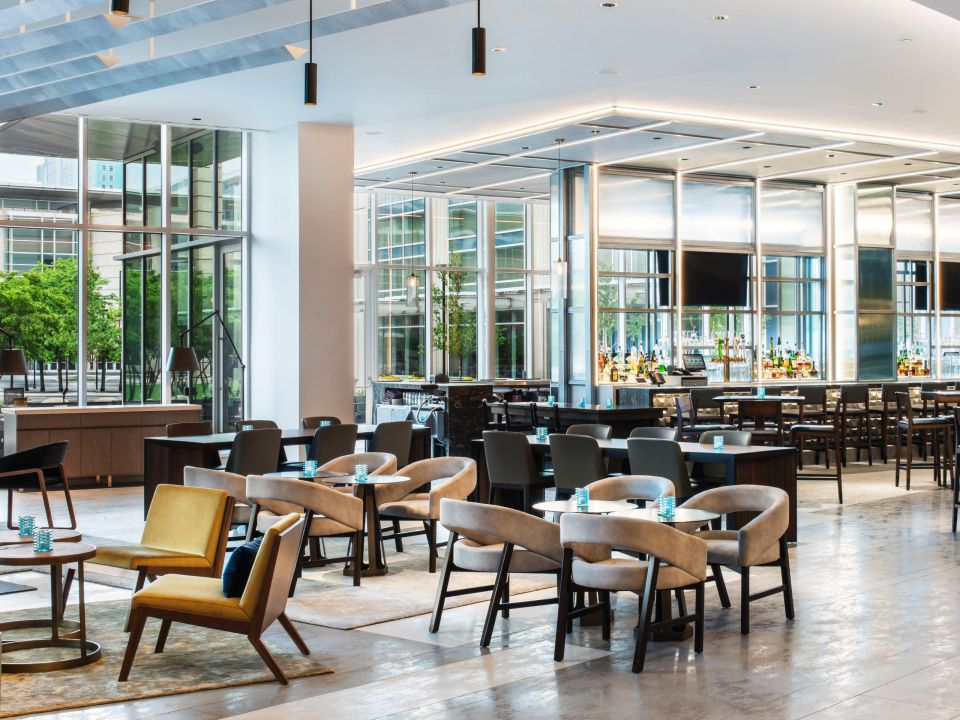 Arc Bar in Chicago at Hyatt Regency McCormick Place