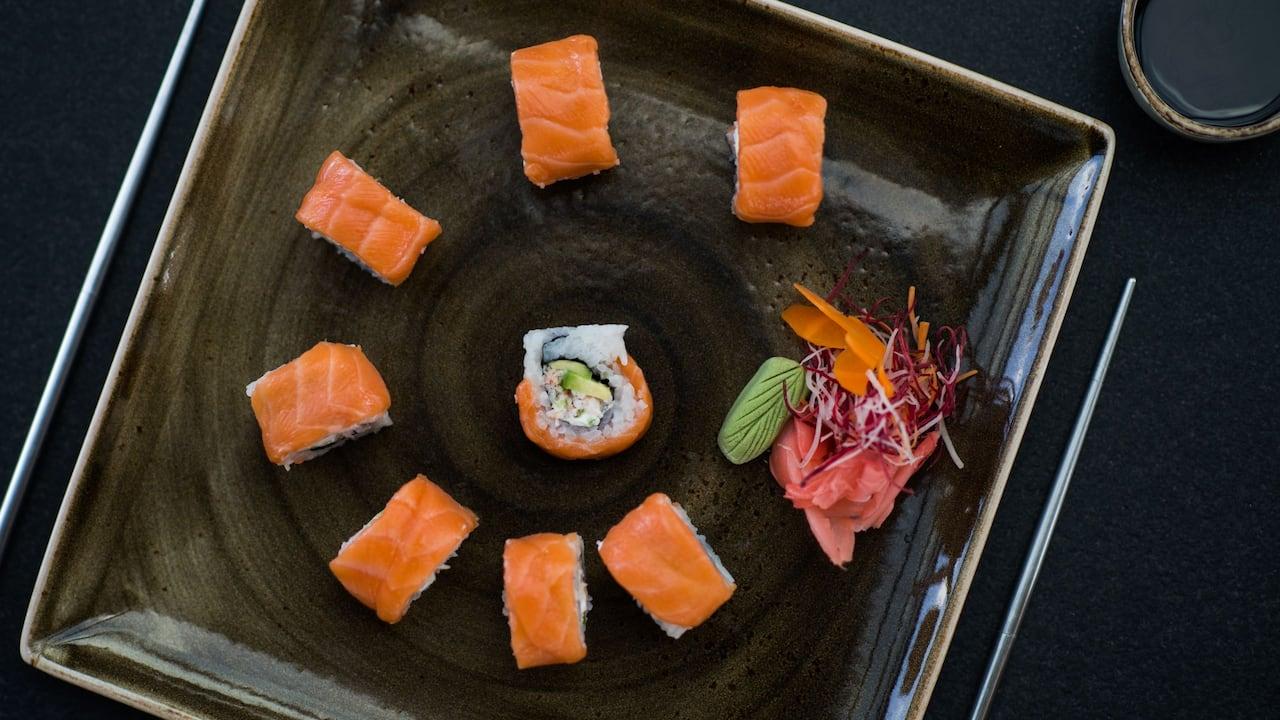 Sushi roll Salmon