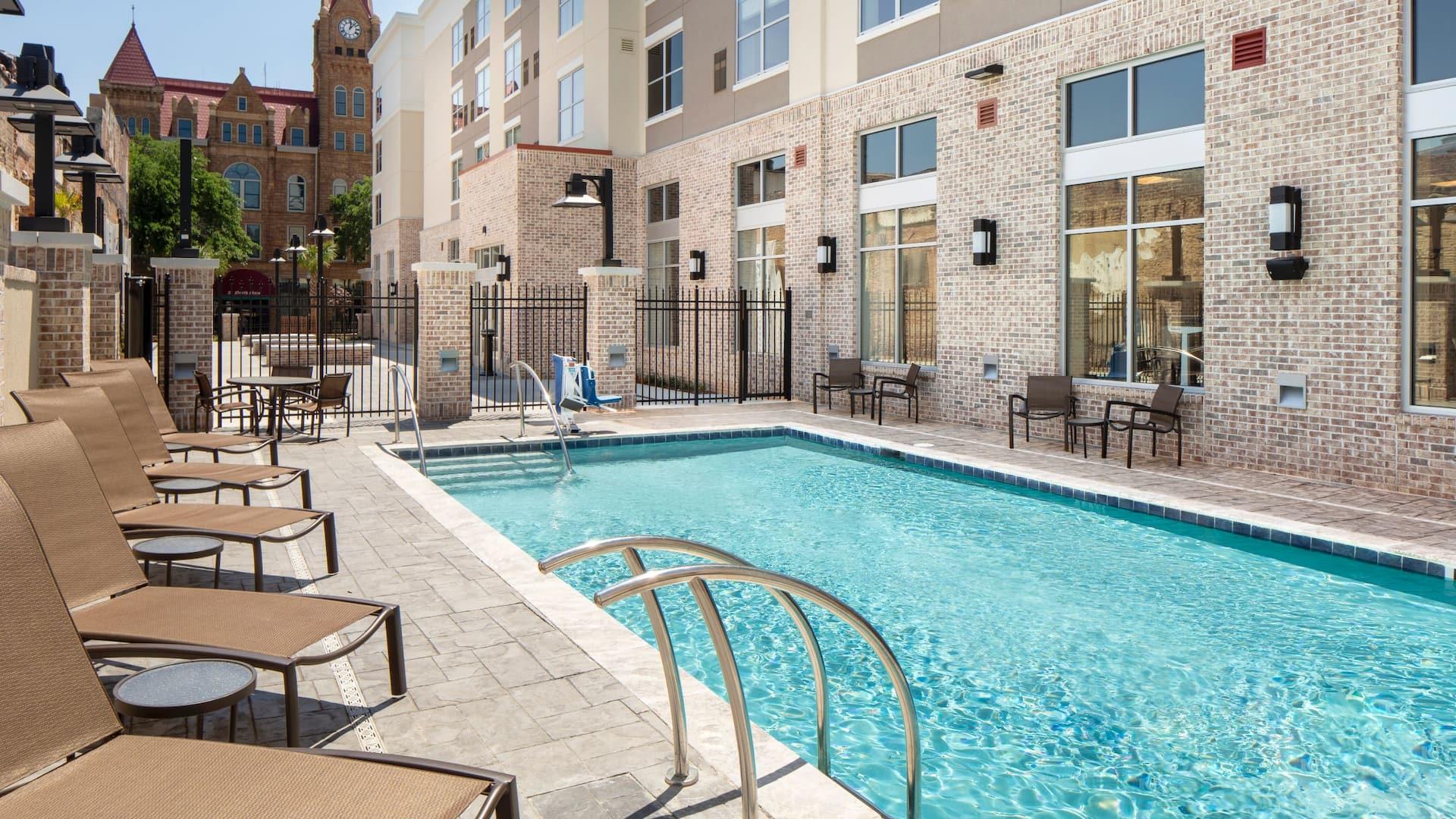 hyatt hotel outdoor pool