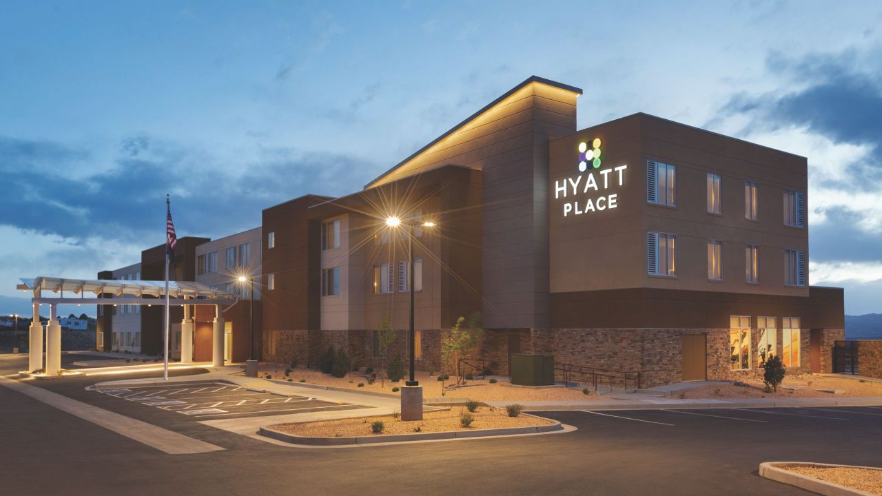 Exterior of Hyatt Place Page Lake / Powell
