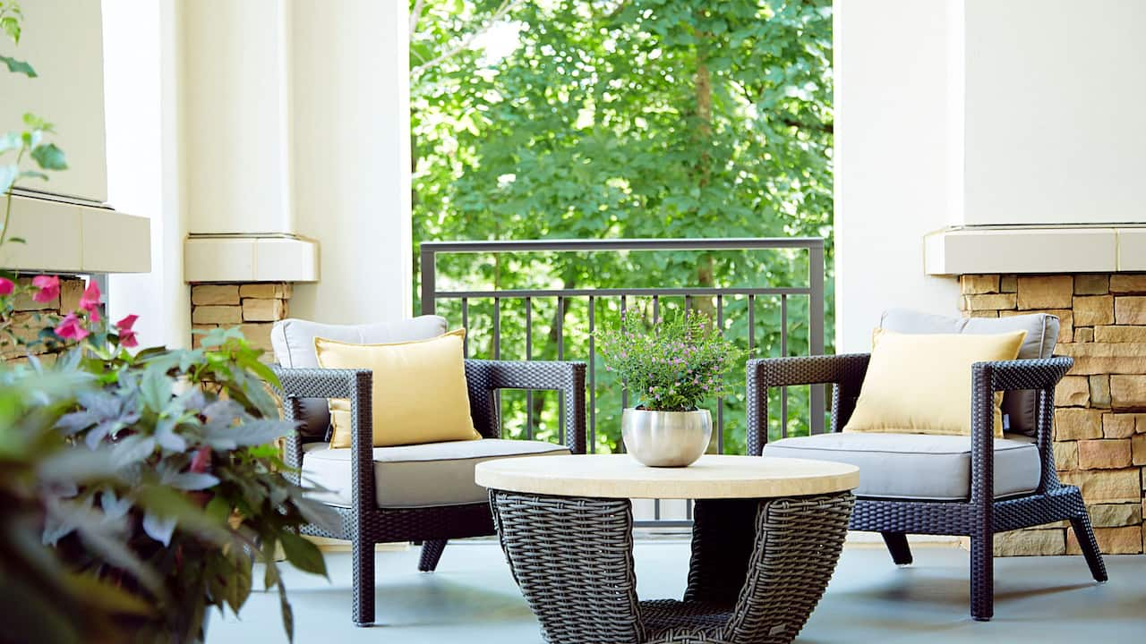 Outdoor Seating Hyatt Regency Atlanta Perimeter at Villa Christina