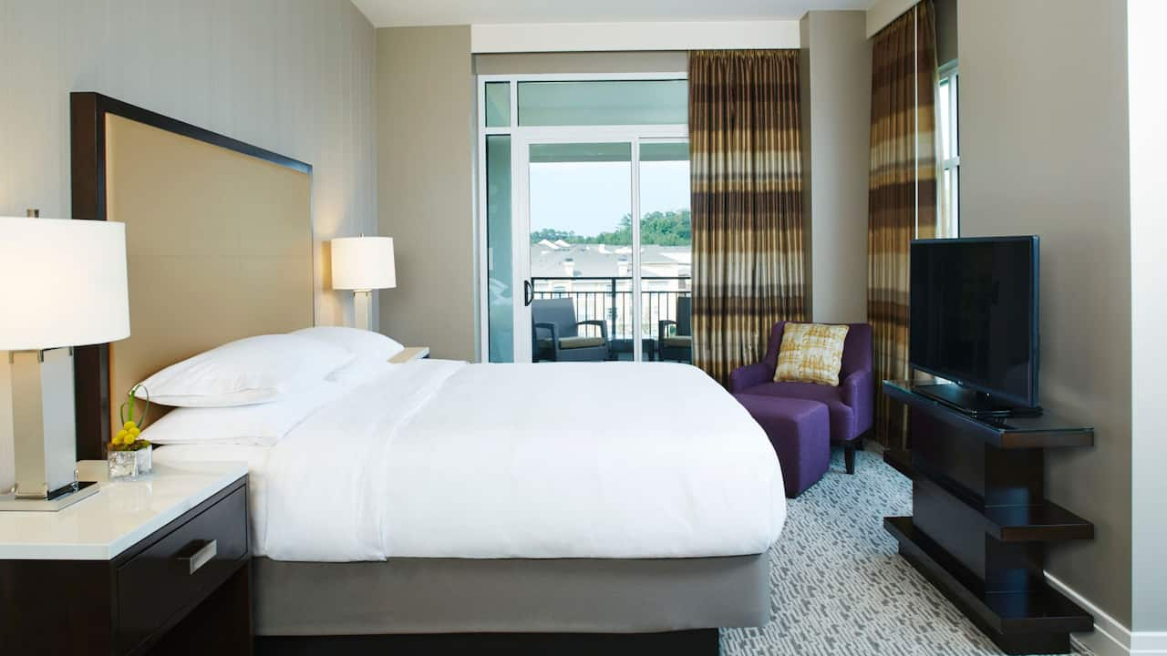 Suite Bed Hyatt Regency Atlanta Perimeter at Villa Christina