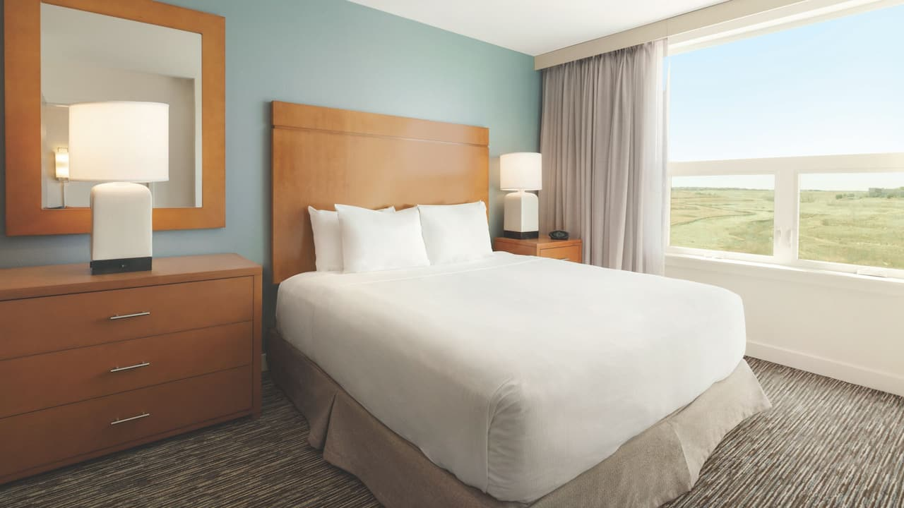 Hyatt House Denver Airport, King suite