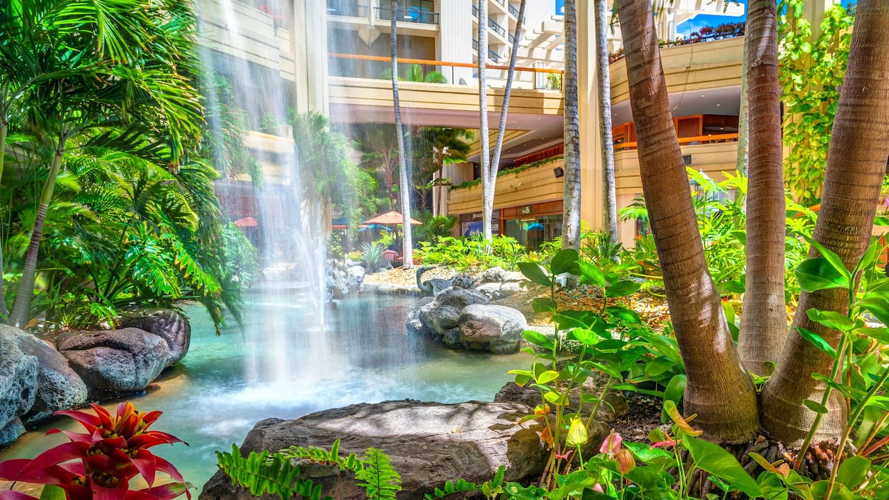 Hyatt Regency Waikiki Beach Hotel Waterfall
