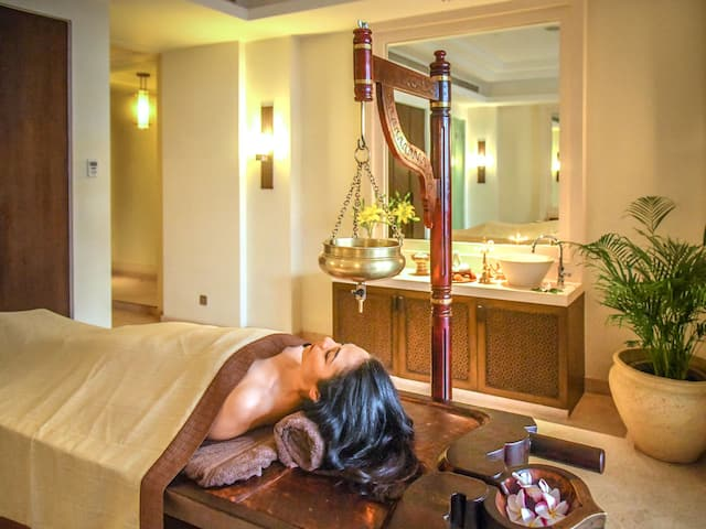 Shamana Spa Ayurveda Suite Guest Treatment