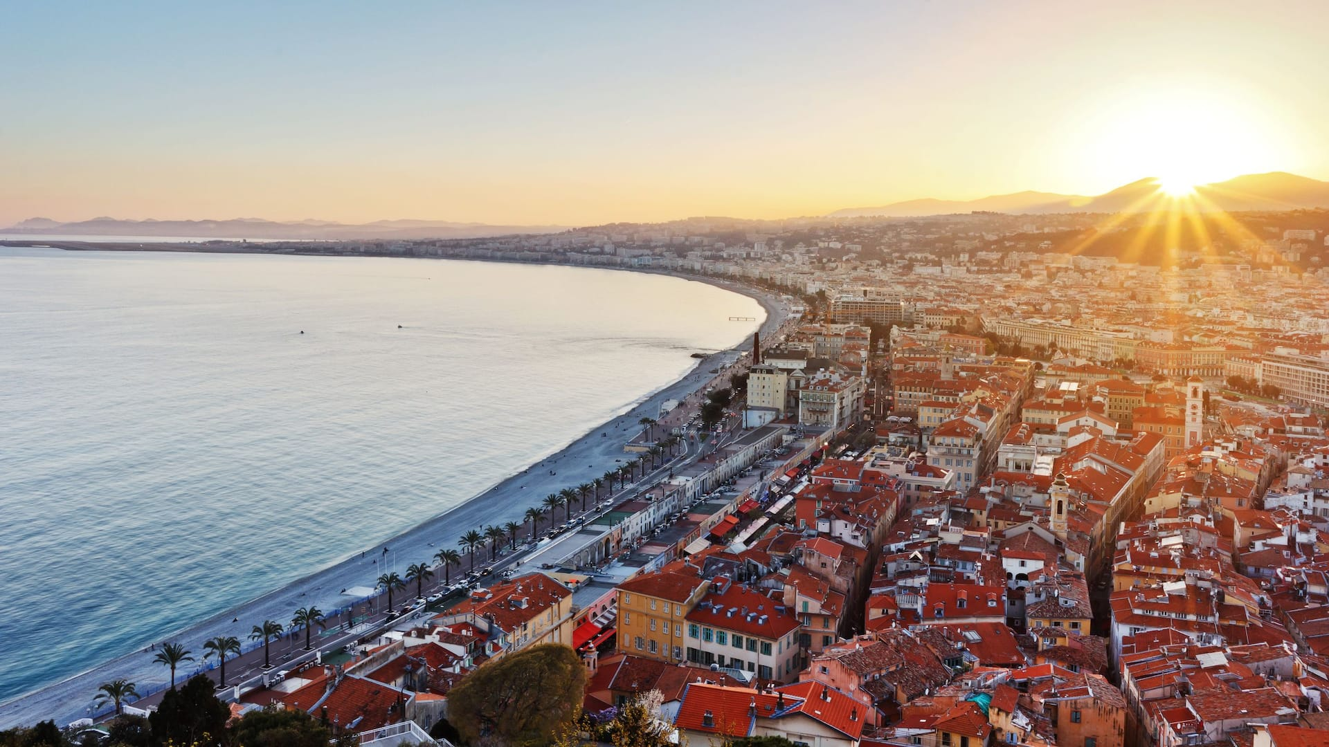 Hotel Hyatt Regency Nice – Sunset on the Promenade des Anglais