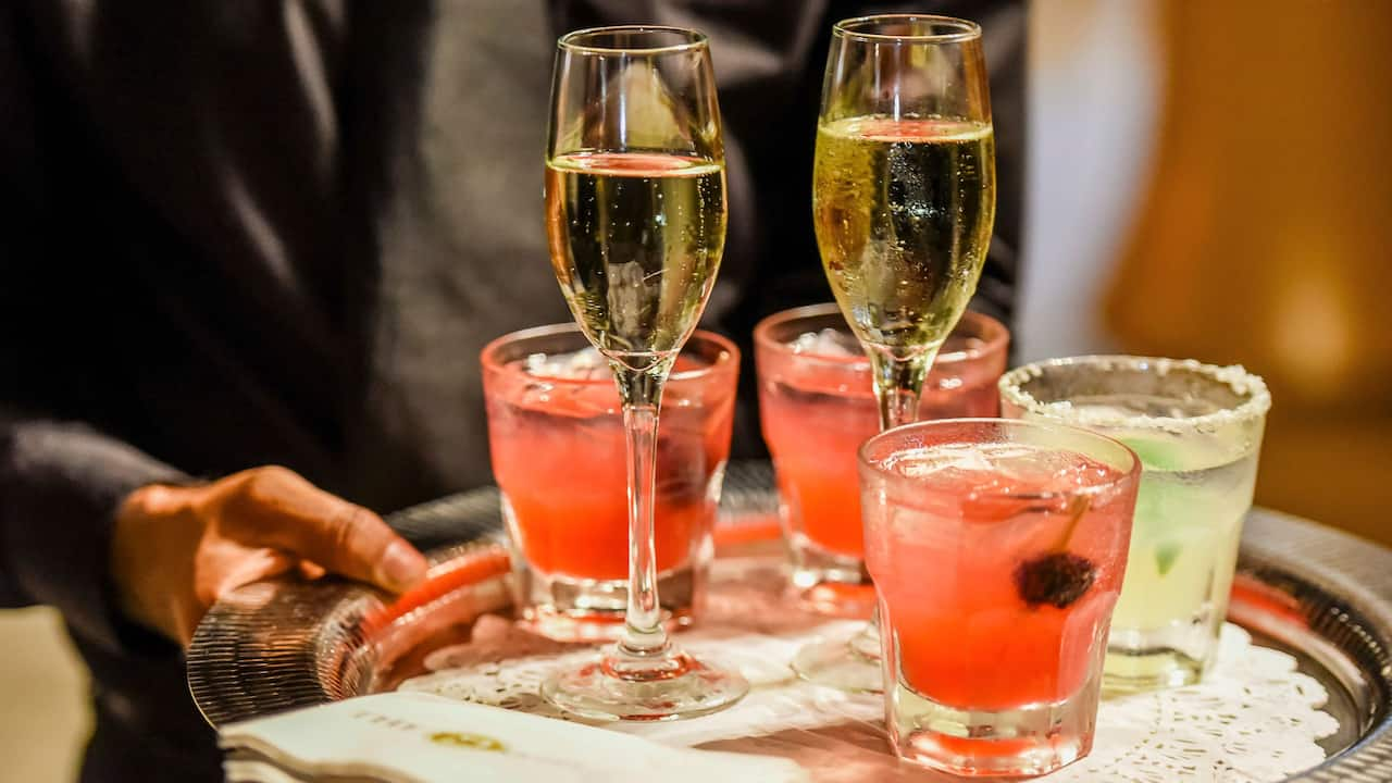 Wedding Cocktails With Champagne