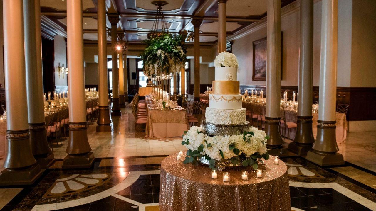 Wedding Cakes On Table The Driskill
