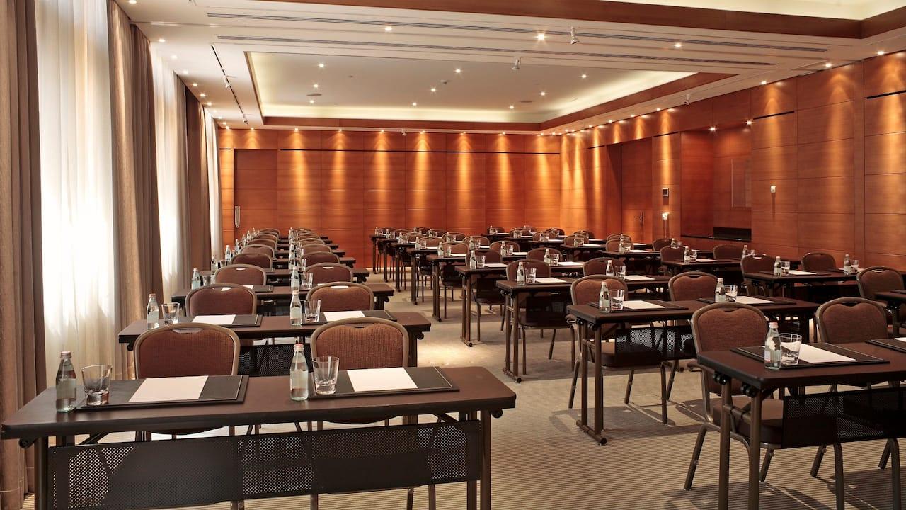 Apogee Conference room – Theatre setup at Hotel Hyatt Regency Paris Charles de Gaulle