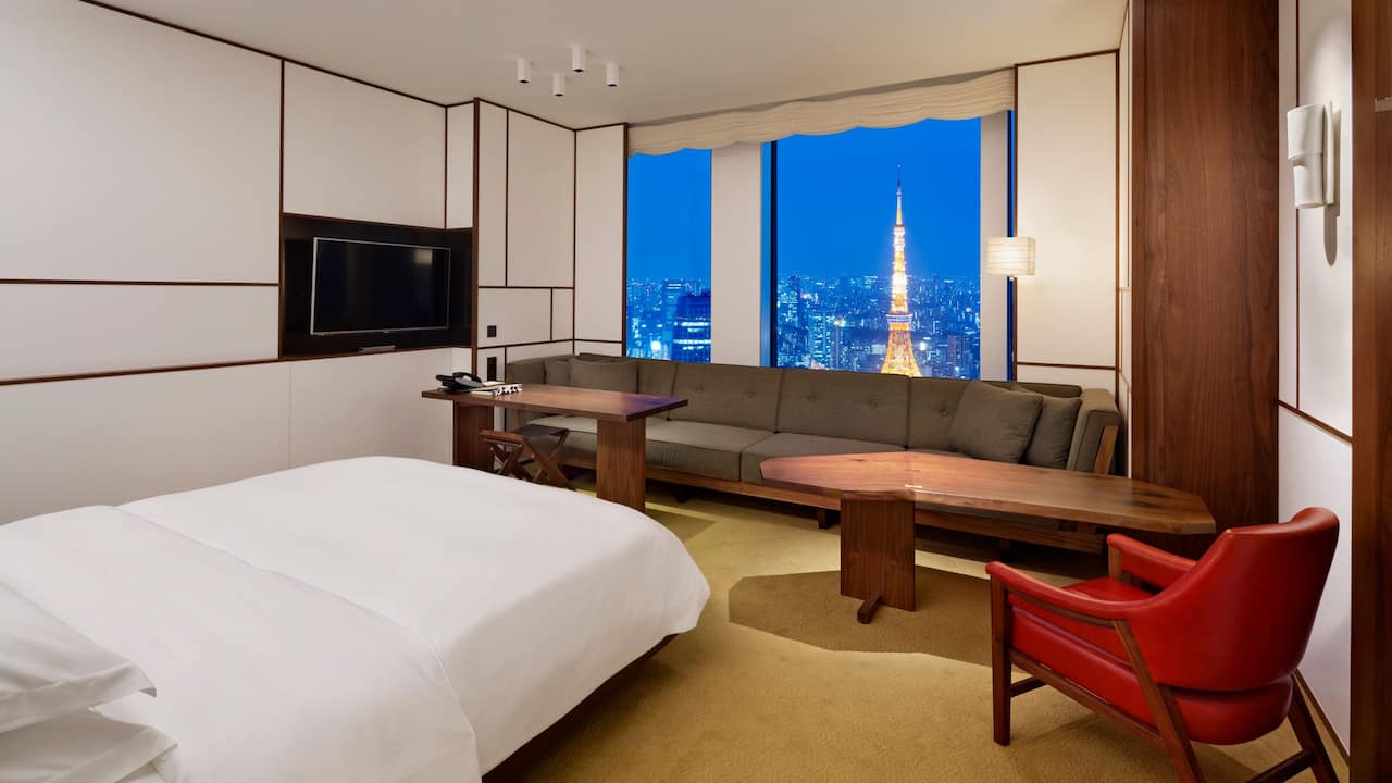 1 King Bed with Tower View