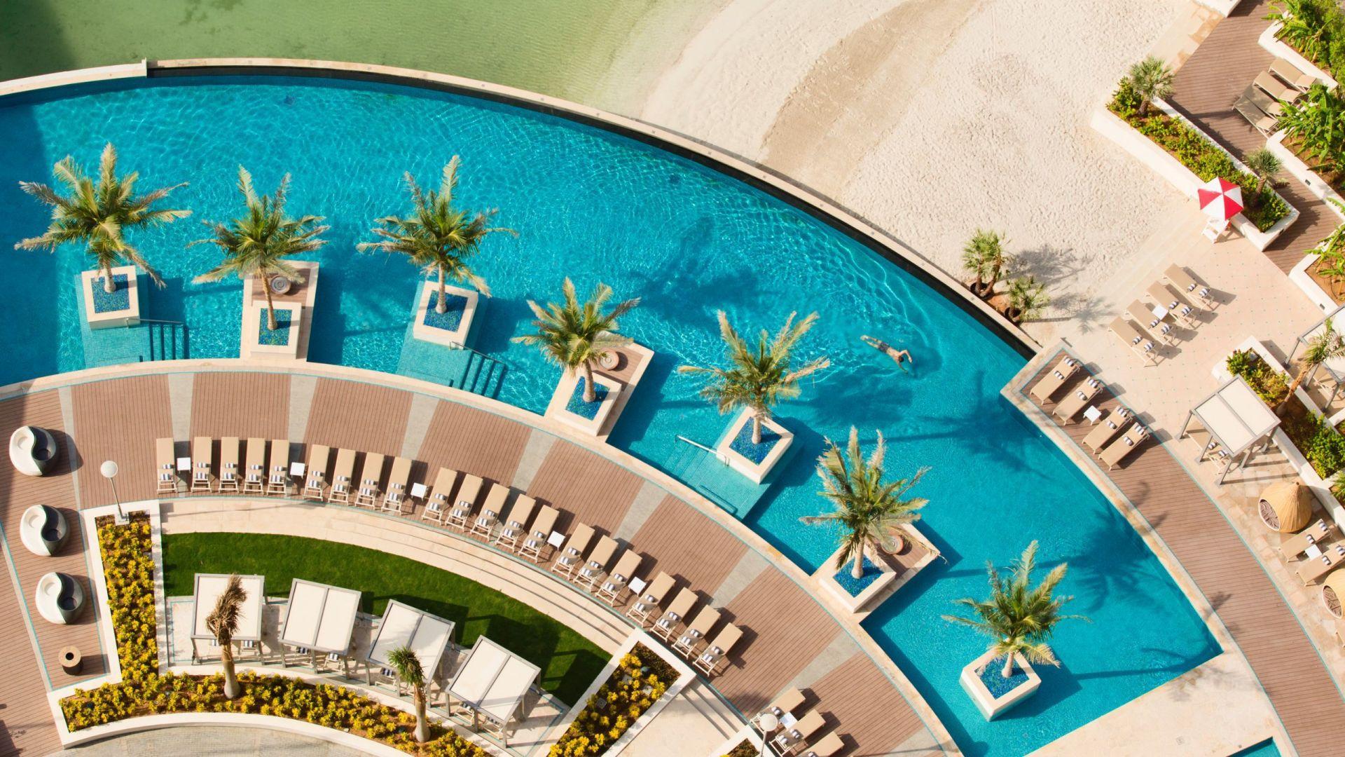 birds eye pool view