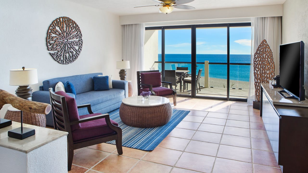 Ocean Front King Suite Living Area