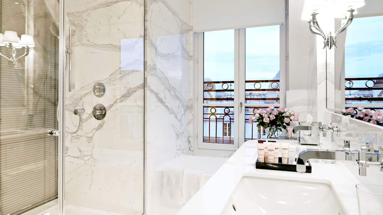 Palais Royal Suite bathroom