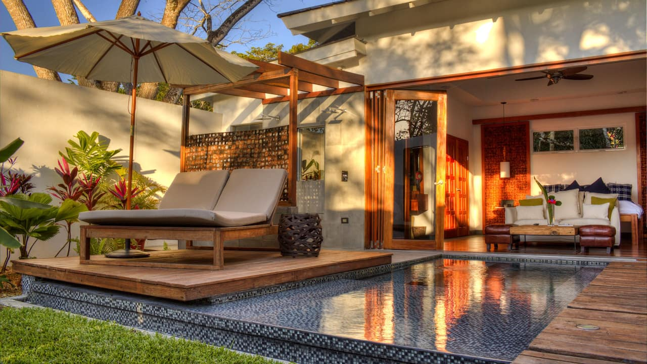 Bed Pool Villa