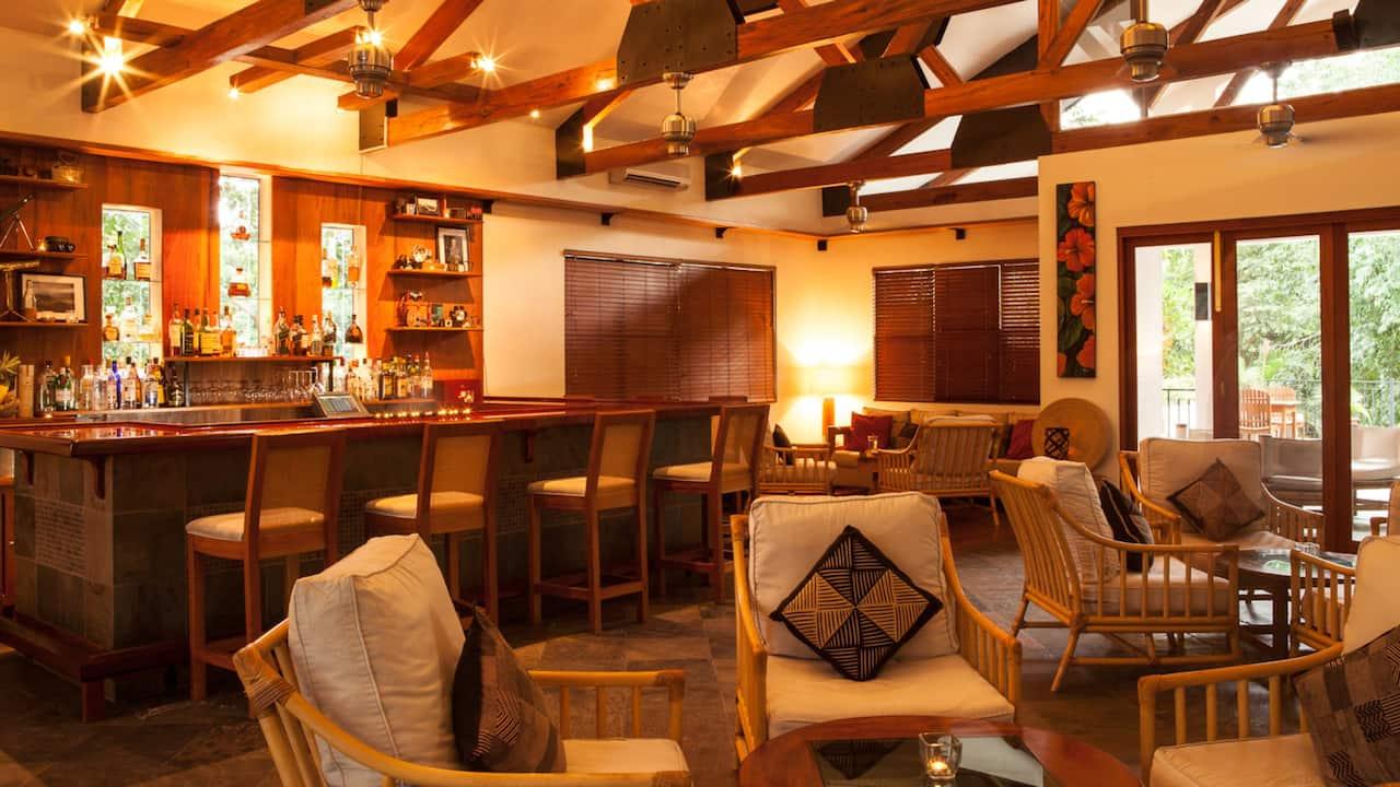 Freize Lounge