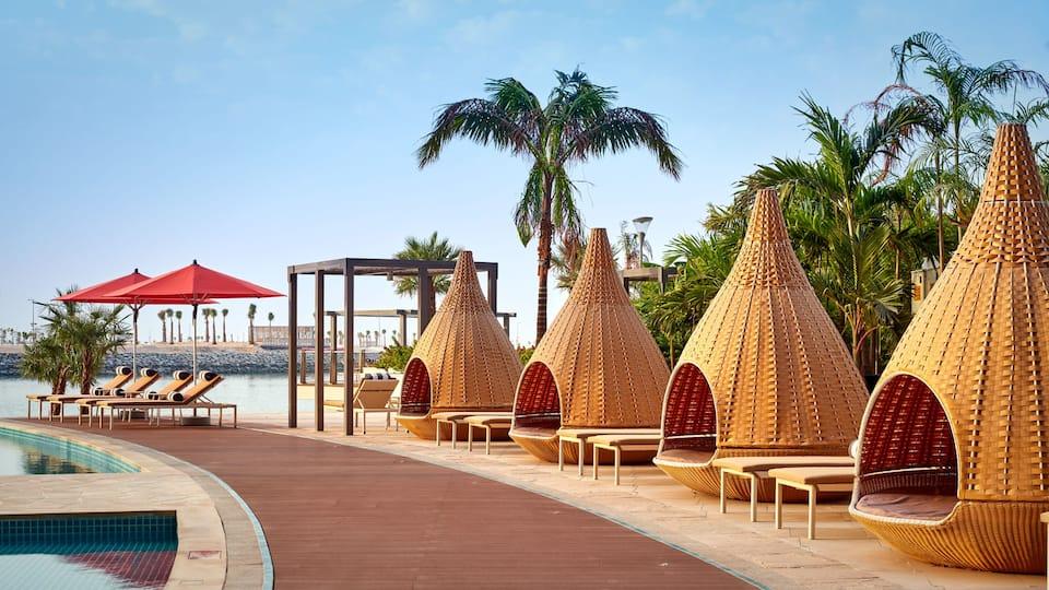Grand Hyatt Abu Dhabi Pool