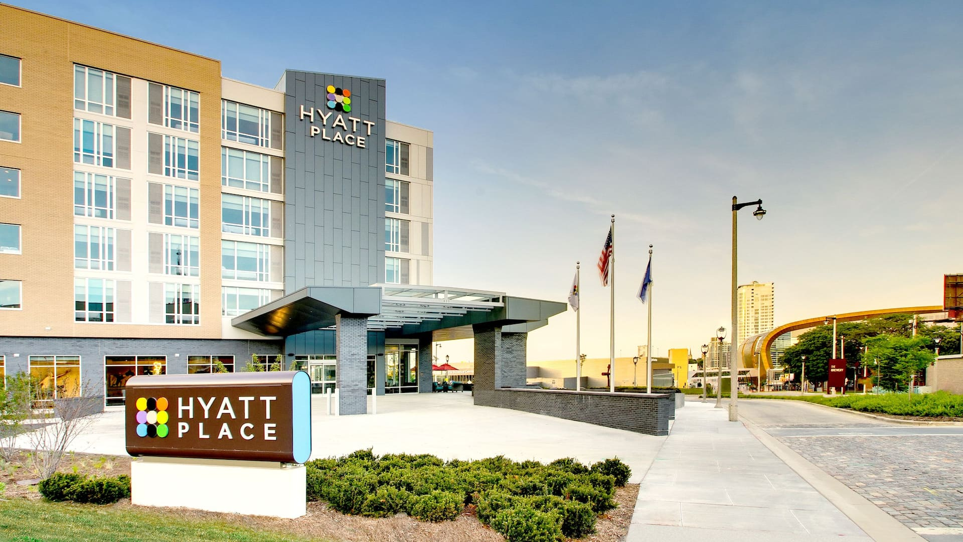 Hyatt Place Milwaukee Downtown Hotel Near Fiserv Forum