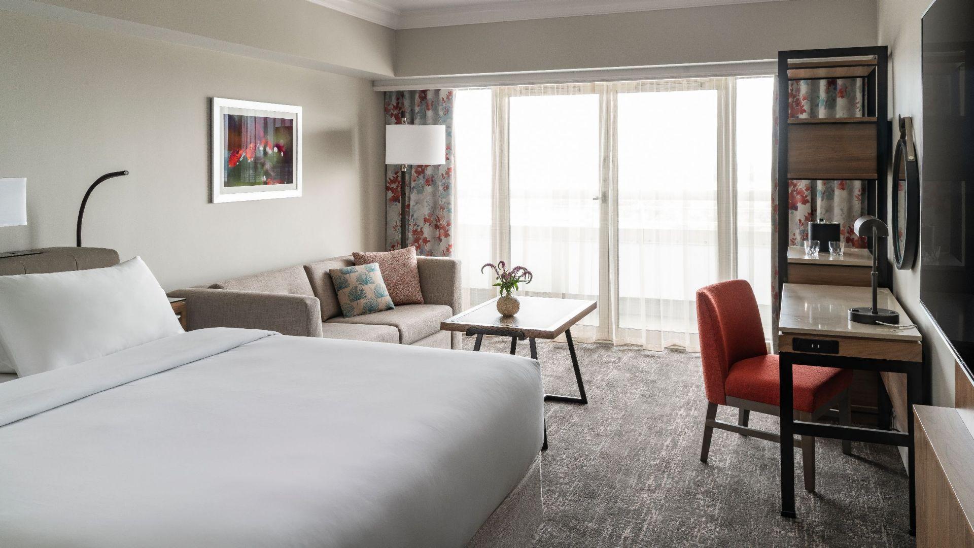 Hyatt Regency Orlando International Airport | Guestroom King Bed