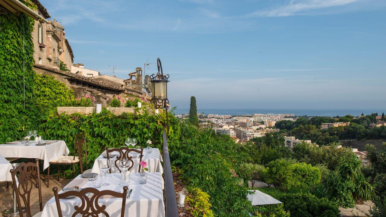 Restaurant Terrace