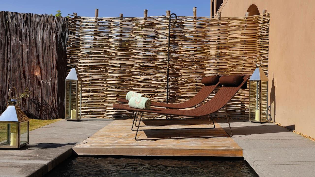 Terrace Et Bassin