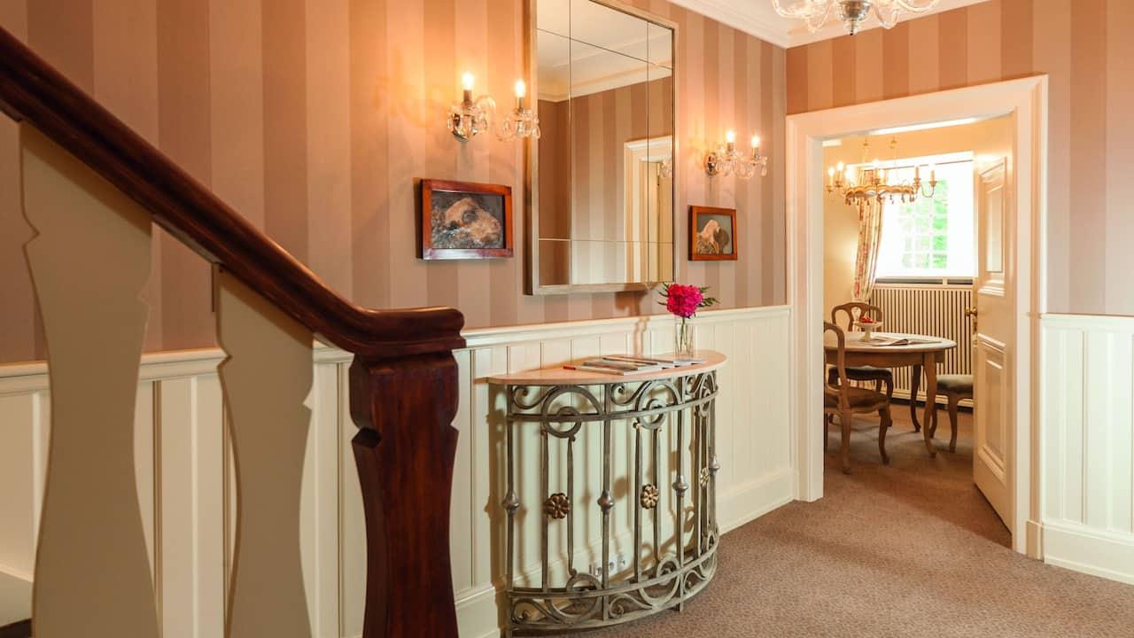 Grand Suite Corridor