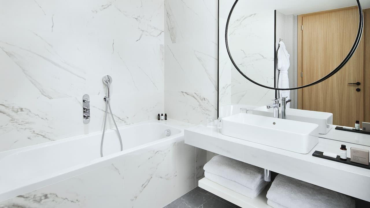 grand hyatt athens bathroom