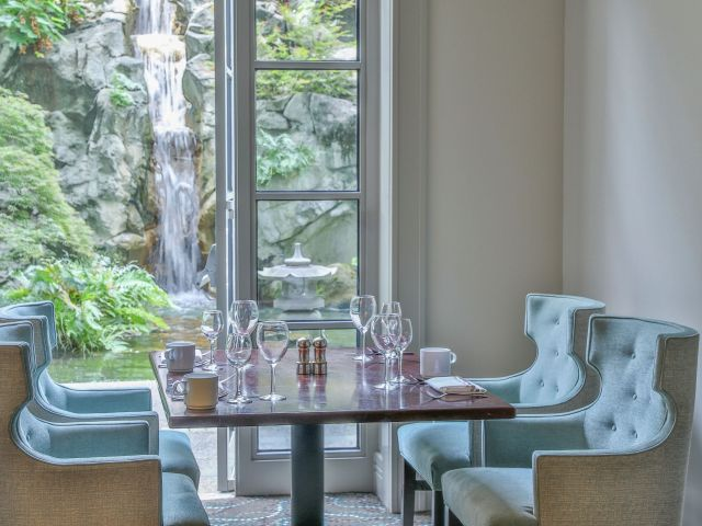 Cassis Dining Space