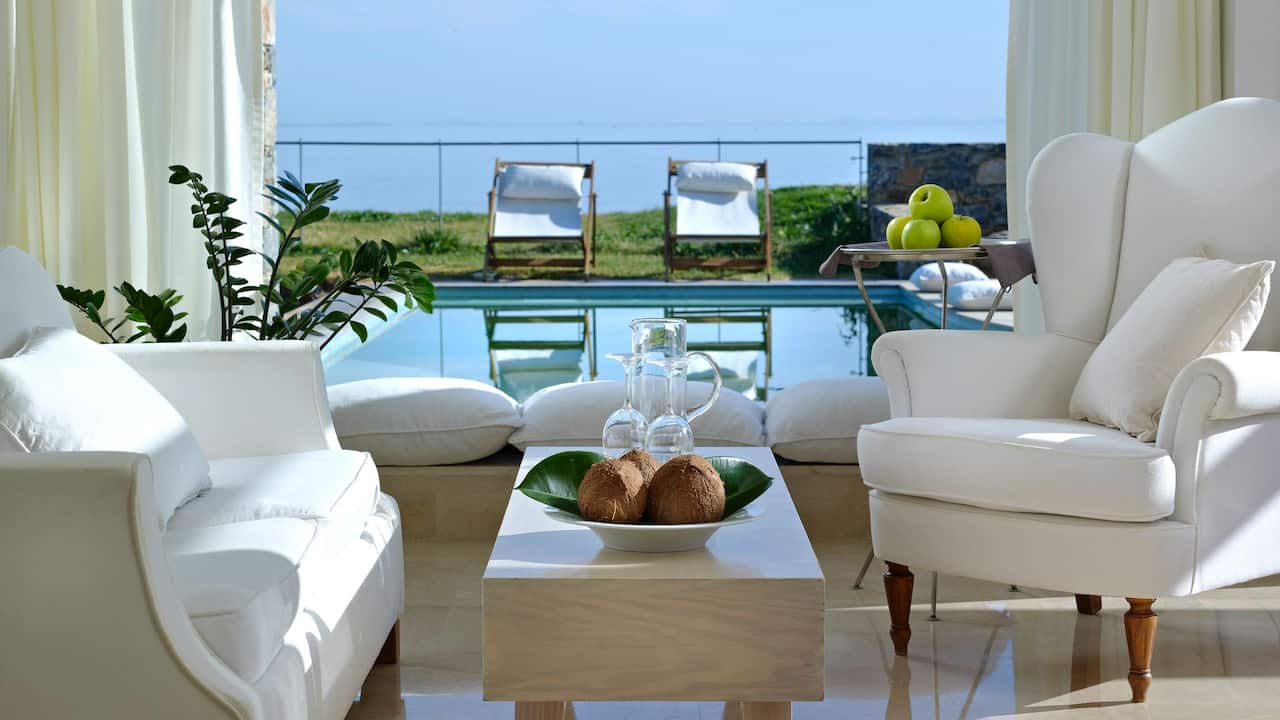 Classic Executive Suite Private Pool Sea View