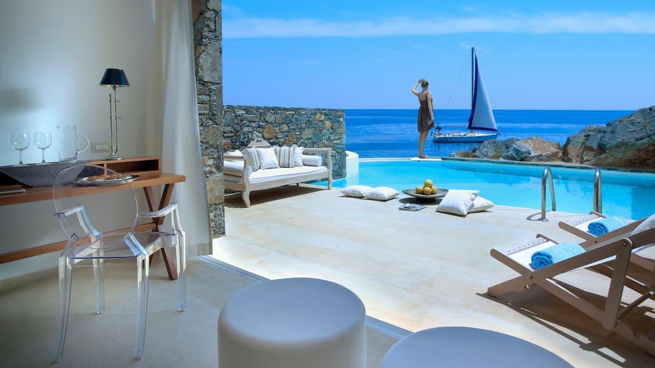 Club Studio Suite Private Pool Seafront