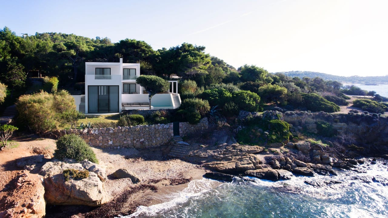 The Margi Villa sit upon a cliff overlooking the sea