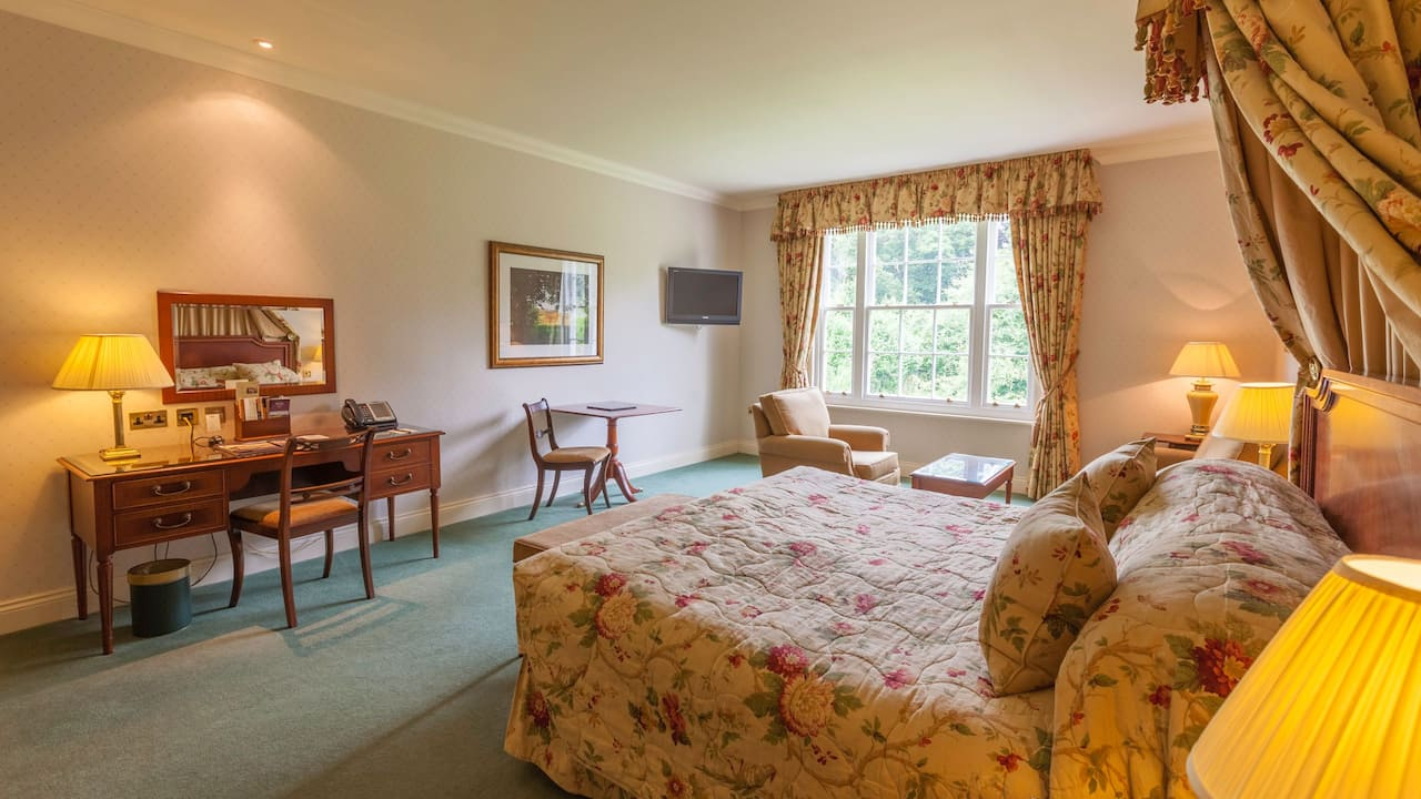 Country Club Executive Room