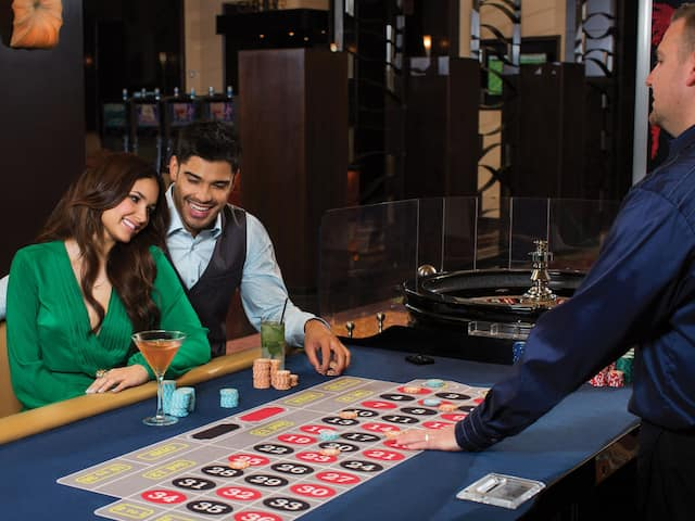 casino table couple