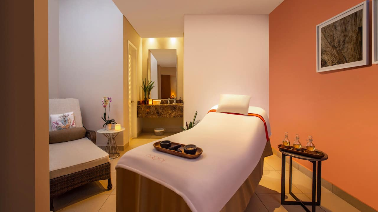 aqoral spa treatment room in colombia
