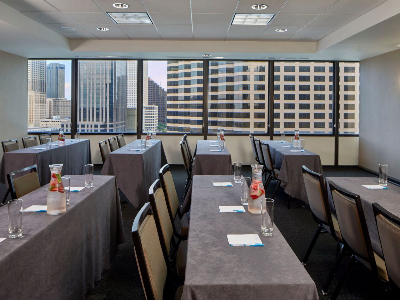 Hyatt House New Orleans/Downtown Meeting Room
