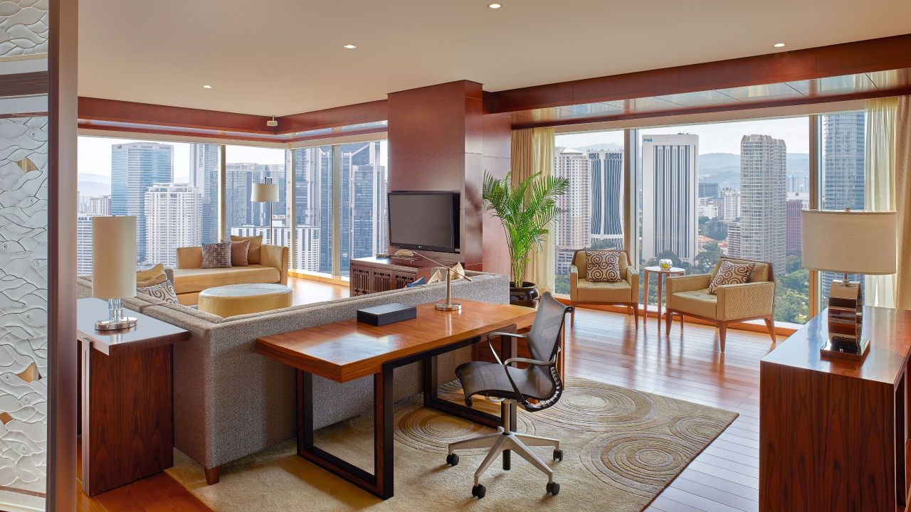Grand Executive Suite Living Area