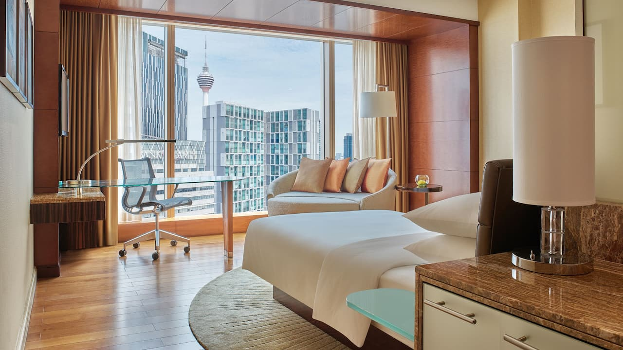 Grand Hyatt Kuala Lumpur - Grand Room with City View (Bedroom)