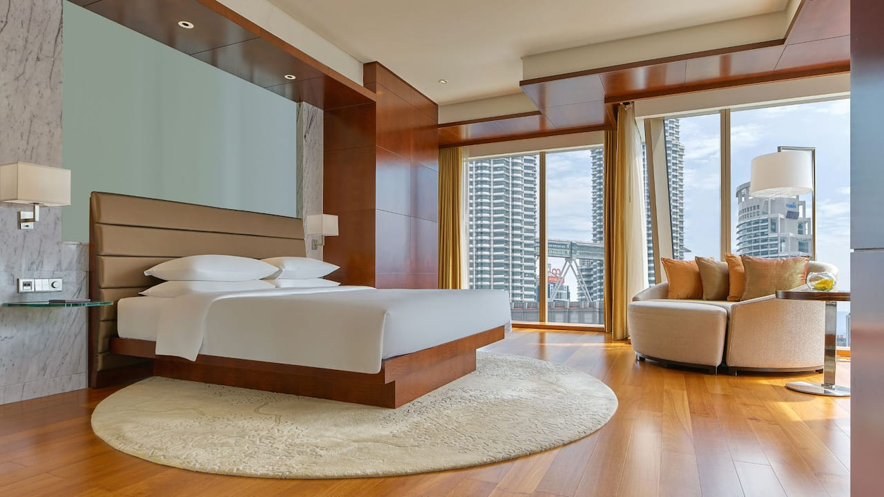 Grand Suite - Twin Tower View