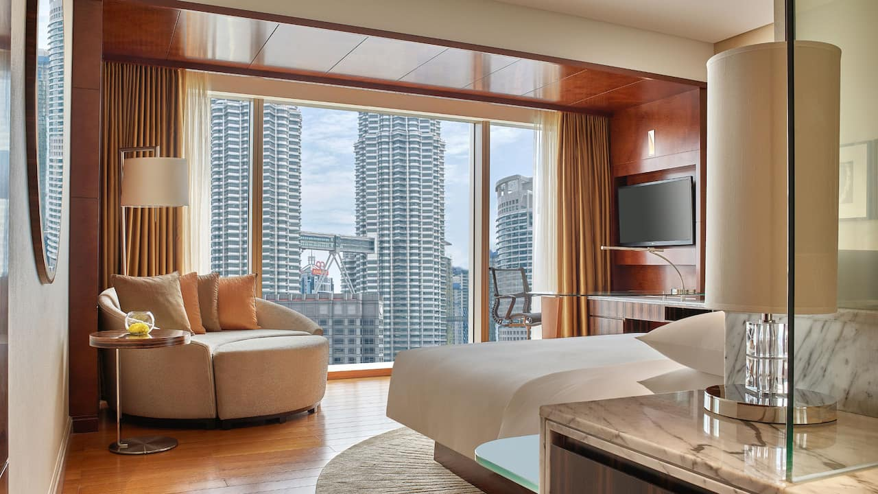 Grand Hyatt Kuala Lumpur - Grand Room with Twin Towers View (Bedroom)