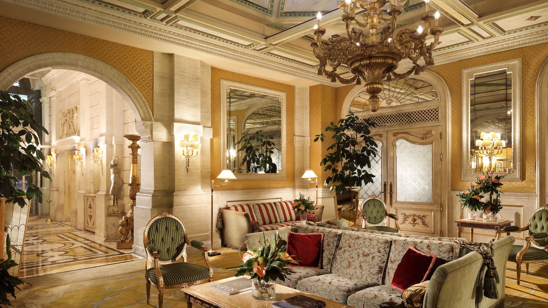Hotel Splendide Royal lobby