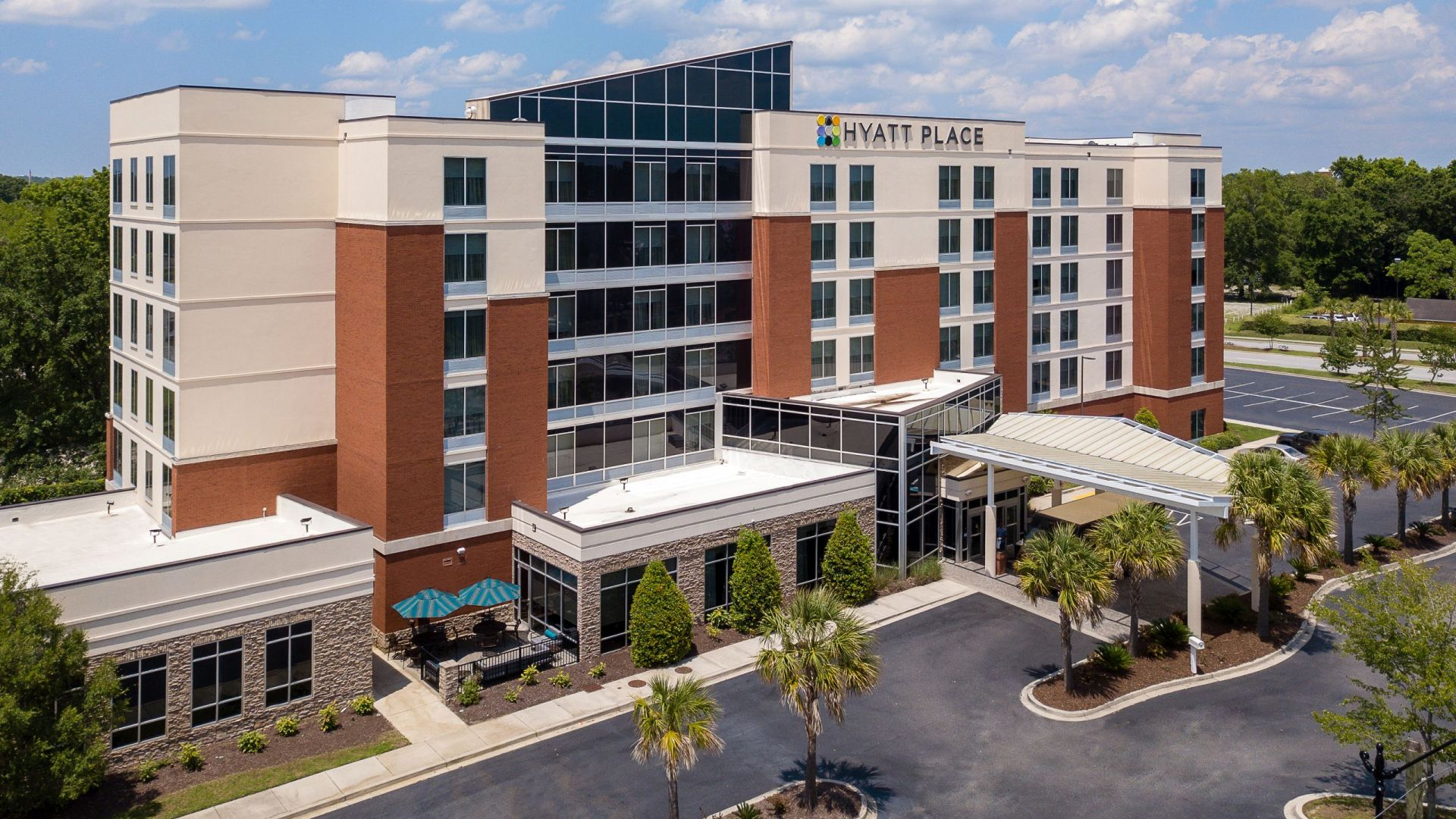 Hyatt Place Charleston Convention/Airport Hotel exterior