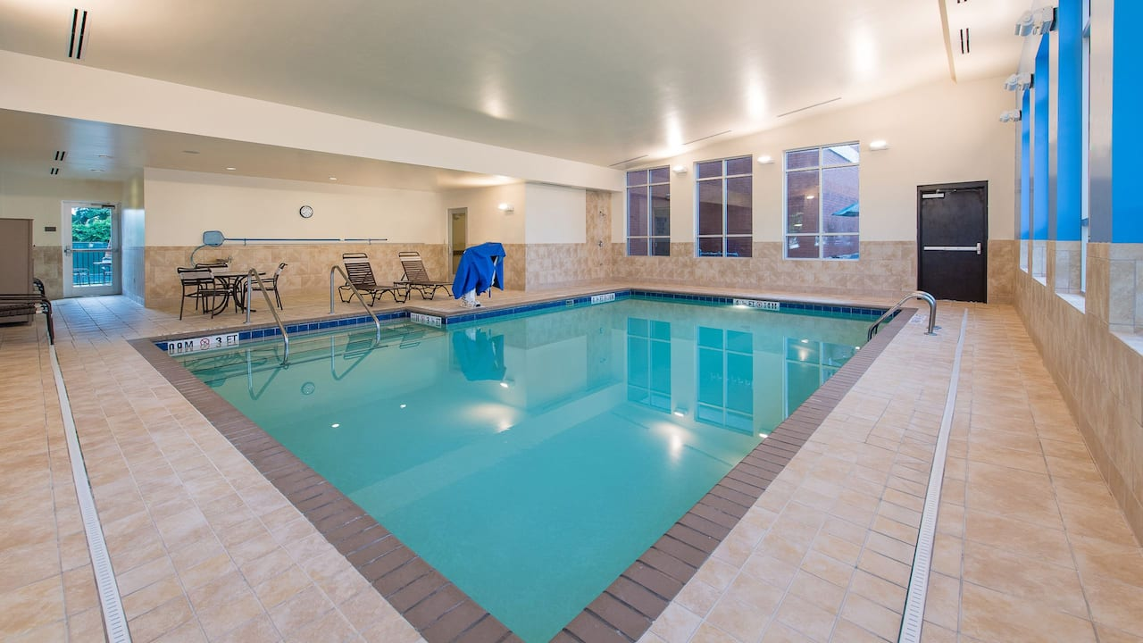 Hyatt Place Charleston Airport Indoor Pool