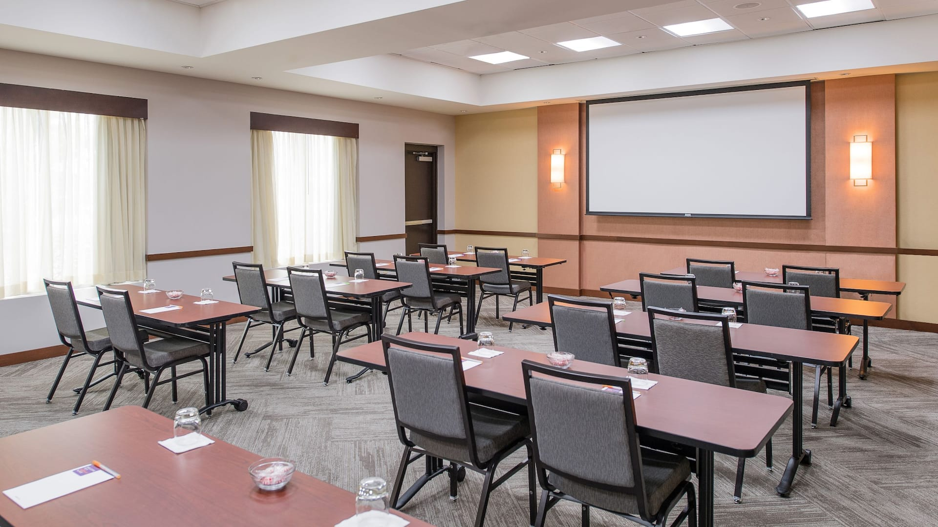 Hyatt Place Charleston Airport/Convention Center Meeting Space