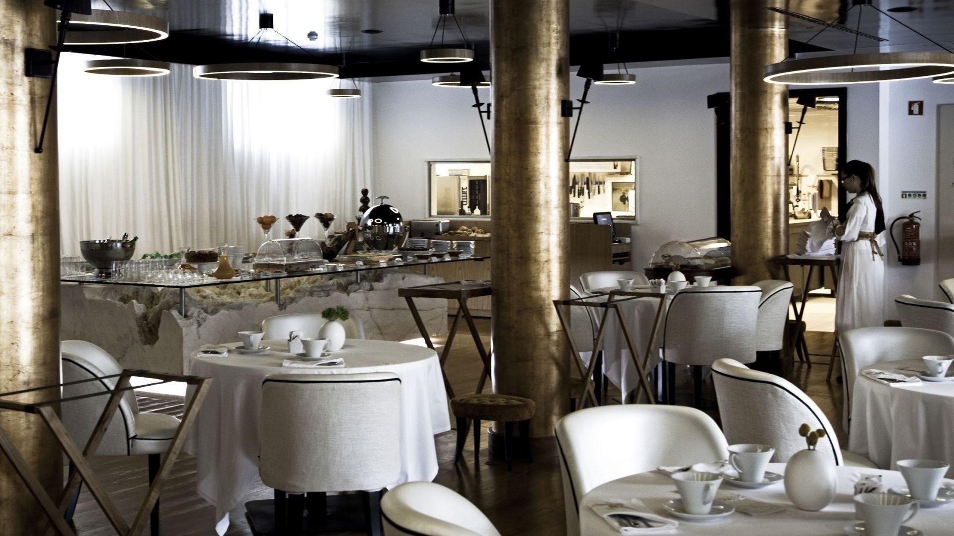 Narcissus Fernandesii Restaurant