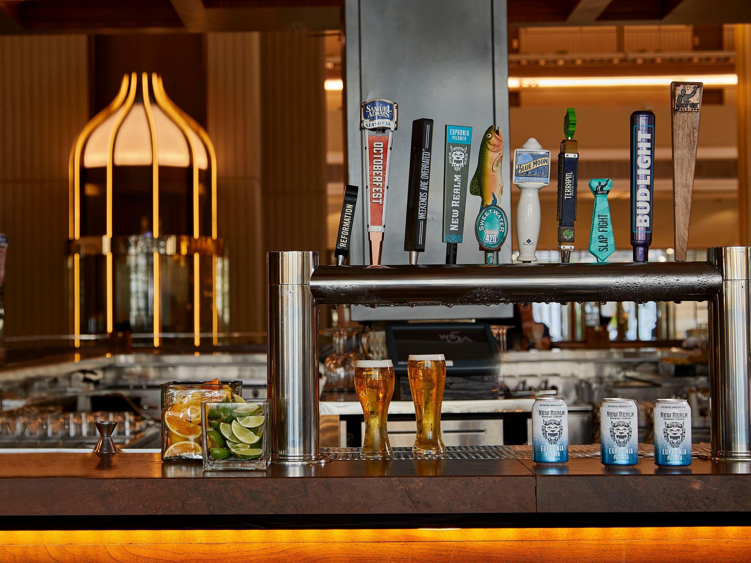 Downtown Atlanta Restaurants And Bars Hyatt Regency Atlanta